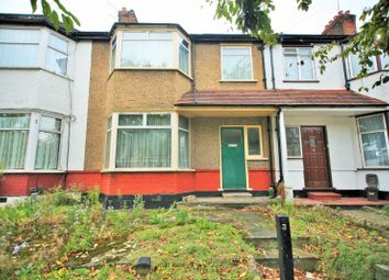 Thumbnail 3 bed property for sale in Kings Close, London