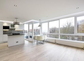 Thumbnail 3 bedroom flat to rent in Netherhall Gardens, Hampstead NW3,