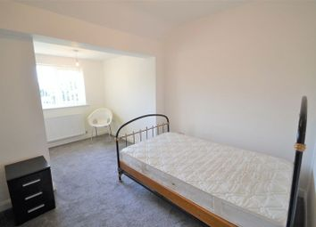 Thumbnail Room to rent in Welwyn Drive, Salford