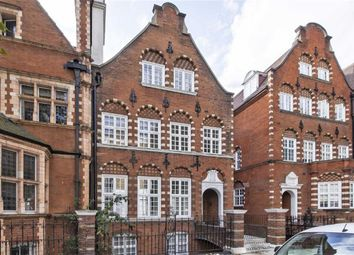 Thumbnail 1 bed flat for sale in Collingham Gardens, London