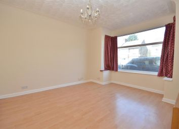 Thumbnail 5 bed terraced house to rent in Dallow Road, Luton