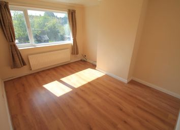 Thumbnail 3 bed maisonette to rent in Roman Road, Leagrave, Luton