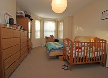 Thumbnail 2 bed flat to rent in Tetherdown, Muswell Hill