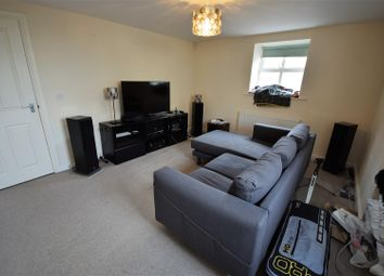 Thumbnail 2 bed flat for sale in Town Gate, Cleckheaton
