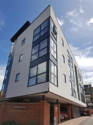 Thumbnail 2 bed flat to rent in Oddfellows Road, Newbury