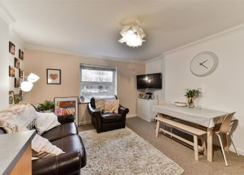 The Facade, Holmesdale Road, Reigate RH2. 2 bed flat for sale