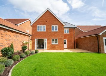 Thumbnail 1 bed detached house for sale in London Road, Wokingham