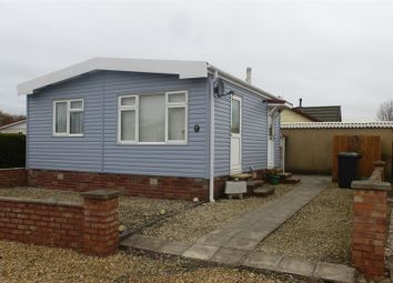 Thumbnail 2 bed mobile/park home for sale in Main Avenue, Sandford-On-Thames, Oxford