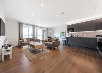 New Park Road, London SW2. 2 bed flat