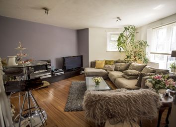 Thumbnail 3 bed flat for sale in King Henrys Walk, London, London