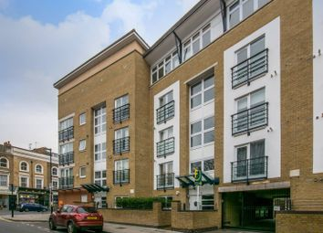 Thumbnail 3 bed flat for sale in Clephane Road, Islington