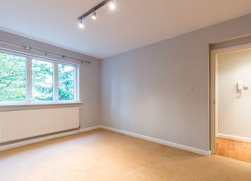 Thumbnail 1 bed flat to rent in 78, Kings Avenue, London