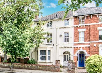 Thumbnail 1 bed flat to rent in Chaucer Road, Bedford