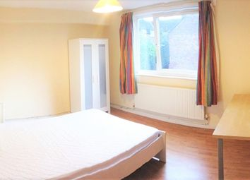 Thumbnail Room to rent in Falcon Road, Clapham, London