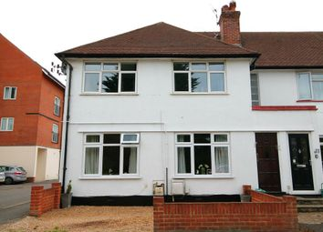 Manor Court, Manor Road, Walton On Thames KT12. 2 bed flat for sale