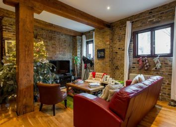 Thumbnail 2 bed flat to rent in Silversmith House, Hope Wharf, Rotherhithe