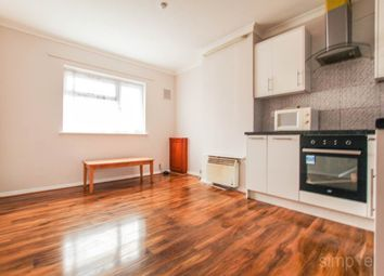 Thumbnail 2 bed flat to rent in Top Floor Flat, East Avenue, Hayes