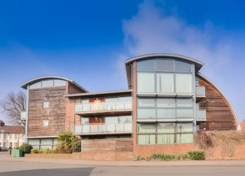 Thumbnail 2 bed flat to rent in De Novo Place, St Albans, Herts