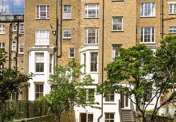 Thumbnail 4 bed flat to rent in Lexham Gardens, London