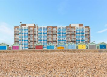 Thumbnail 3 bed flat for sale in Kingsway, Hove