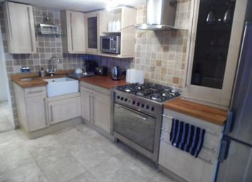 Thumbnail 2 bed flat to rent in Norfolk Square, Brighton