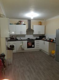 Thumbnail 4 bed flat to rent in Green Street, London