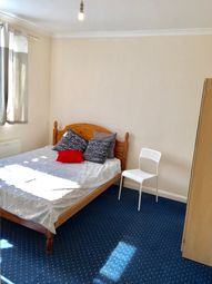 Thumbnail Room to rent in Geary Road, London