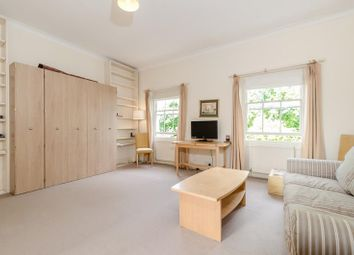 Thumbnail Studio to rent in Warwick Square, London