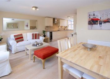 Thumbnail 2 bed flat to rent in Clovelly Road, London