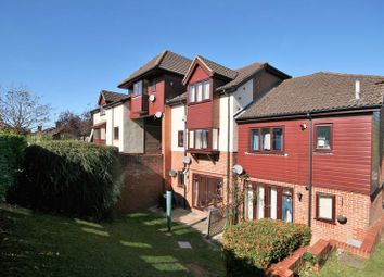 Thumbnail 1 bed flat to rent in Weydon Lane, Farnham