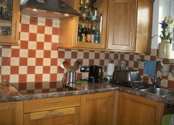Thumbnail 1 bed flat to rent in Station Approach, Coulsdon North, Coulsdon