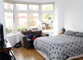 1 bed flat to rent in Ulleswater Road, London N14