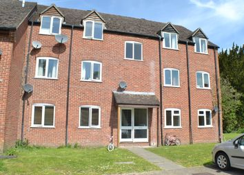 Thumbnail 2 bedroom flat to rent in Cleveland Grove, Newbury