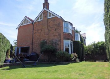 Thumbnail 4 bed detached house to rent in Smoke Lane, Reigate