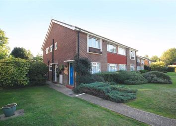 Abbey Close, Pinner HA5. 2 bed maisonette