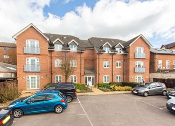 Thumbnail 2 bed flat to rent in Vale Road, Bushey