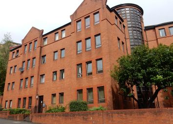 2 bed flat to rent in John Knox Street, Glasgow G4
