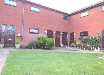 Thumbnail 2 bed flat for sale in Laurel Court, Cuffley, Potters Bar