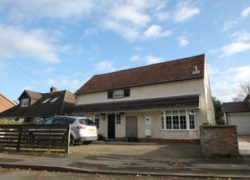 Thumbnail 4 bed detached house to rent in Sadlers Lane, Winnersh, Wokingham