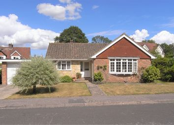 Woodside Close, Storrington RH20. 2 bed bungalow