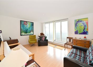 Wards Wharf Approach, London E16. 1 bed flat