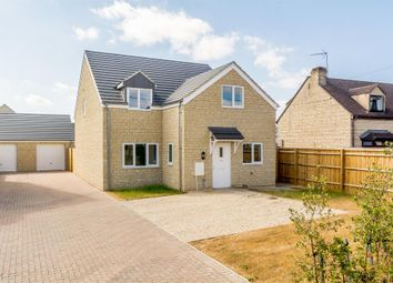 4 bed detached house for sale in Alvescot Road, Carterton OX18