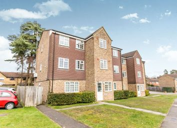 Thumbnail 1 bed flat to rent in Crofton Close, Bracknell