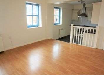 Thumbnail 2 bed flat for sale in 122 Lansdowne Road, Leicester