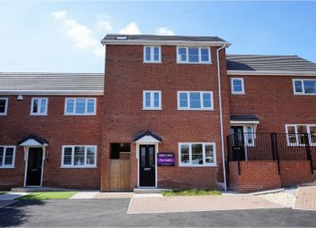 Thumbnail 3 bed town house for sale in Malvern Close, Oldham