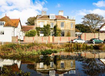 The Green, Rottingdean, Brighton BN2. 2 bed maisonette