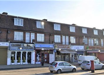 3 bed flat to rent in Station Parade, Whitchurch Lane, Canons Park, Edgware HA8