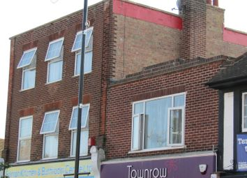 Thumbnail 1 bed flat to rent in Connaught Avenue, Frinton-On-Sea