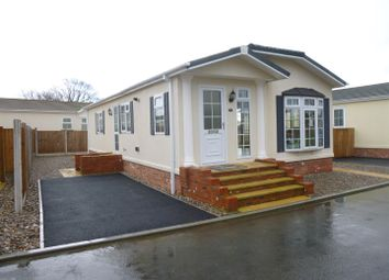 Thumbnail 2 bed mobile/park home for sale in Ellis Drive, Oakfield Park, Llay