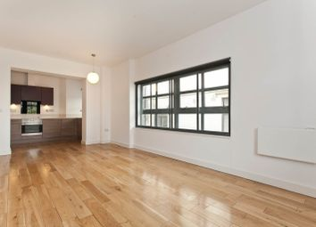 Thumbnail 2 bed flat to rent in Davenant Street, Aldgate East, London